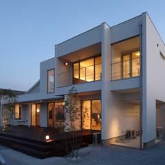 منازل تنفيذ MITSUTOSHI   OKAMOTO   ARCHITECT   OFFICE 岡本光利一級建築士事務所,