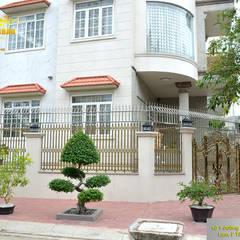 Hàng rào nhôm đúc:  Biệt thự by Cổng nhôm đúc Thiên Thanh Bảo