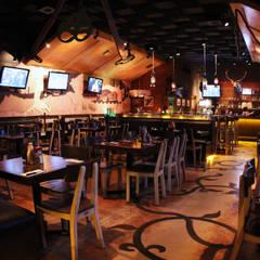 Interior Restaurante Bocadero: Restaurantes de estilo  por Hemisferio Derecho