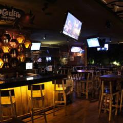 Exterior Restaurante Bocadero: Restaurantes de estilo  por Hemisferio Derecho