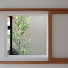 Wooden windows by TEKTON | テクトン建築設計事務所, Eclectic Wood Wood effect