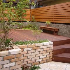 「Wooddeck's  Garden」: GAZON~ガゾン~が手掛けた庭です。