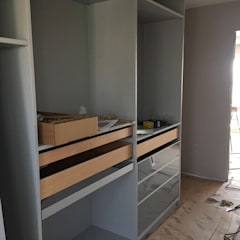 CABINET – Cabinet Nebelgrau iç sistem: modern tarz Giyinme Odası