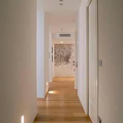 Corridor & hallway by studio ferlazzo natoli, Minimalist
