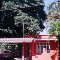 CASA TERMINADA: Casas unifamiliares de estilo  por FRANCISCO MONTIEL
