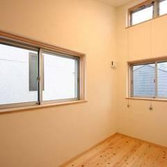 北新宿の家(壁式コンクリート住宅): 一級建築士事務所 匠拓が手掛けた子供部屋です。
