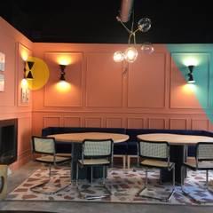 SALÓN RESTAURANTE ESTRAGÓN: Bares y Clubs de estilo  de María Abascal