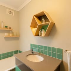 House Brooks. :  Bathroom by Redesign Interiors