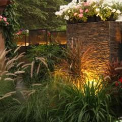 Front garden by Artistic Design Works,