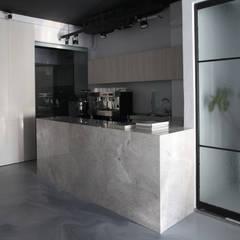 Thinking Gallery Space by Studio In2:  商業空間 by Studio In2 深活生活設計, 簡約風