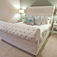 House Watkins :  Bedroom by Redesign Interiors
