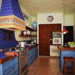 Встроенные кухни в . Автор – Gerardo Suarez - Homify
