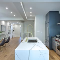 Glen Rd:  Kitchen by Contempo Studio,Minimalist