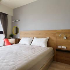 Residence | Kaohsiung 博聞 蕭宅:  臥室 by E&K宜客設計