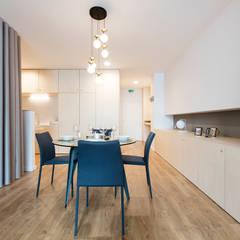Abbey Apartment: Salas de jantar  por Paulo Vale Afonso Architecture Studio