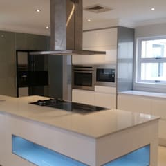 La Lucia home:  Built-in kitchens by BHD Interiors