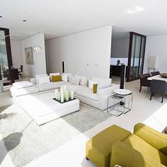 غرفة المعيشة تنفيذ Julia Dempster, حداثي