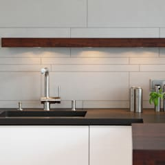 Gestaltungselement - Fliesenspiegel:  Küchenzeile von dipl.-ing. anne-doris fluck innenarchitektin aknw