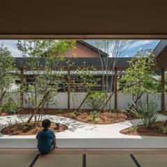 HINO2: 武藤圭太郎建築設計事務所が手掛けた和室です。,モダン