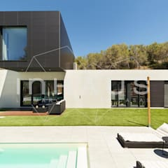 Fachada principal: Casas prefabricadas de estilo  de Casas inHAUS