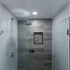 Dormitorios de estilo  por Arquitectura 11:11 Diseño + Construcción S.A de C.V