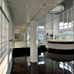 LAGIS常廣:  辦公大樓 by 澤序空間設計有限公司