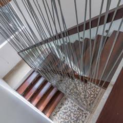 Budisari Residence:  Koridor dan lorong by ARCHID