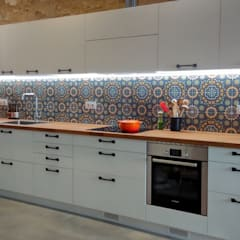 Built-in kitchens by femcuines