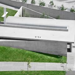 Techos de estilo  por Di Vece Arquitectos