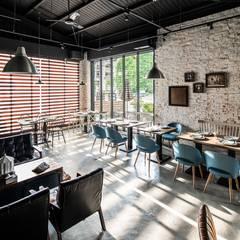 白貓散步|Gatto Bianco:  餐廳 by 理絲室內設計有限公司 Ris Interior Design Co., Ltd.