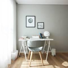 핑크 포인트 새아파트 신혼집 홈스타일링: homelatte의  서재 & 사무실