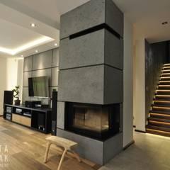 Dom Jednorodzinny Wisła - Realizacja: styl , w kategorii Salon zaprojektowany przez MARTA PAWLAK  ARCHITEKTURA  WNĘTRZ