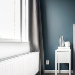 licetto steel blue en silk white en traditional paint lak op waterbasis in de kleur