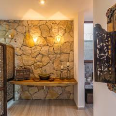 Baños de estilo  por Cetina y Ancona Arquitectos