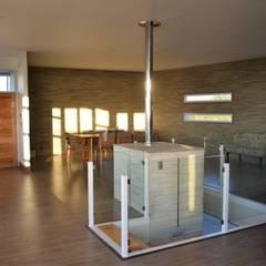 Casa Muelle: Pasillos y hall de entrada de estilo  por Casas Metal