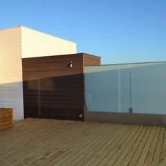 Casa Muelle: Terrazas  de estilo  por Casas Metal
