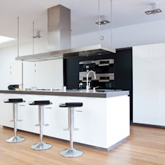 Kitchen units by Archstudio Architecten | Villa's en interieur