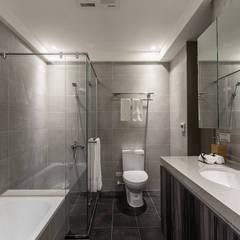 minimalistic Bathroom by E&C創意設計有限公司