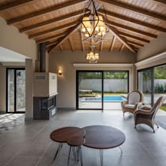 Hipped roof by Egeli Proje, Modern لکڑی Wood effect
