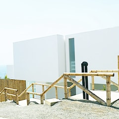 Casa de Playa PL / The PL Beach House (2010) de Lores STUDIO. arquitectos Moderno Concreto