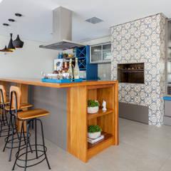 Muebles de cocinas de estilo  por Escritorio de Arquitetura Karina Garcia