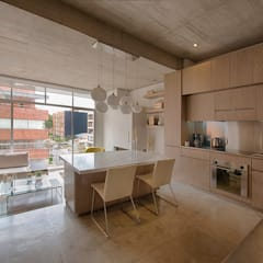 Dining room by Martínez Arquitectura