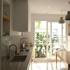 Kitchen by B.A-Studio, Mediterranean
