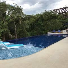 Pool by Arquitectos y Entorno S.A.S
