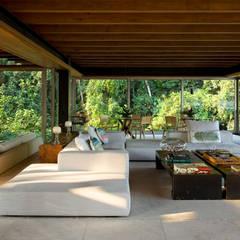 Salas / recibidores de estilo  por Arquitetura Gui Mattos