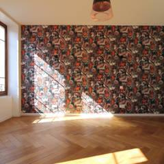 Rénovation complète d'un appartement Haussmannien : Chambre d'adolescent de style  par Deco-Daix