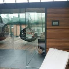 Sauna Best Line : styl nowoczesne, w kategorii Spa zaprojektowany przez Sauna Line Sp. z o.o.
