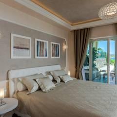 Dormitorios de estilo  por Studio D73