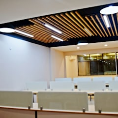 Think Valley's Office in Sector 32, Gurugram:  Offices & stores by The Workroom