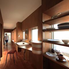 Nのリノベーション: の ざ き 設 計が手掛けた廊下 & 玄関です。